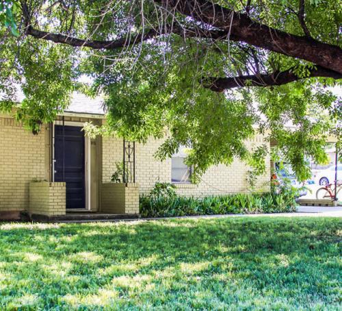 905 Welch Street Photo 1