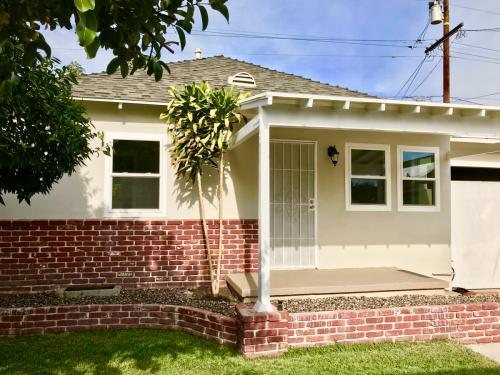 5013 E 1/2 61st Street Photo 1