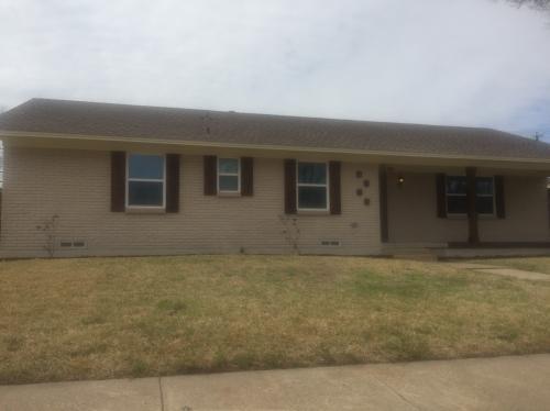 3913 Roanoke Drive Photo 1