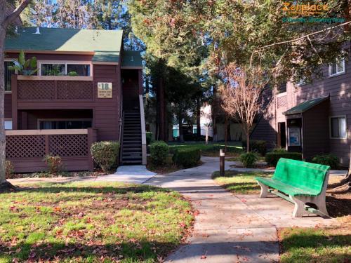 1175 Yarwood Court Photo 1