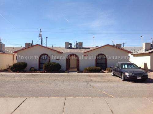 3605 Yucca Drive NW Photo 1