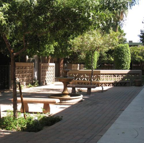 Phoenix, AZ - Peaceful Courtyard Lving in the M... 3653 Photo 1