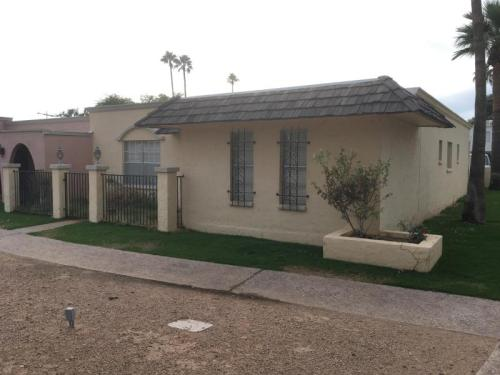 504 N Hobson Plaza Photo 1