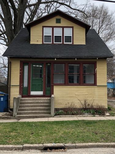 1313 Oak Street Photo 1