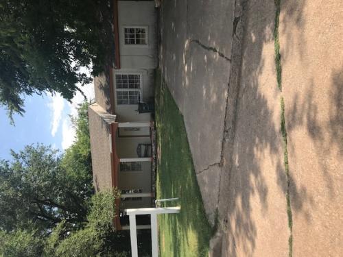 1210 NW Baldwin Avenue Photo 1