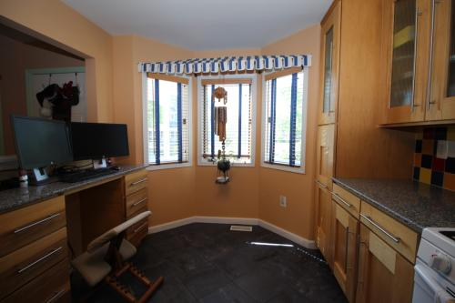 82 Regal Drive Photo 1