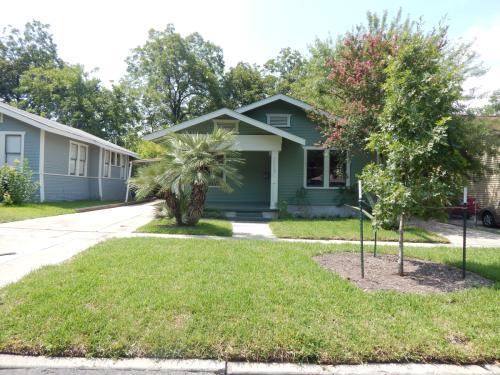 1112 W Huisache Avenue Photo 1