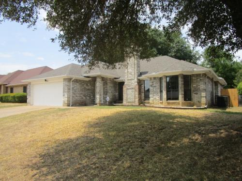 1512 Willow Park Drive Photo 1