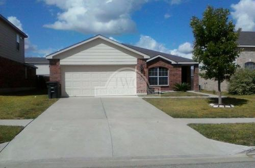 2211 Price Dr Photo 1