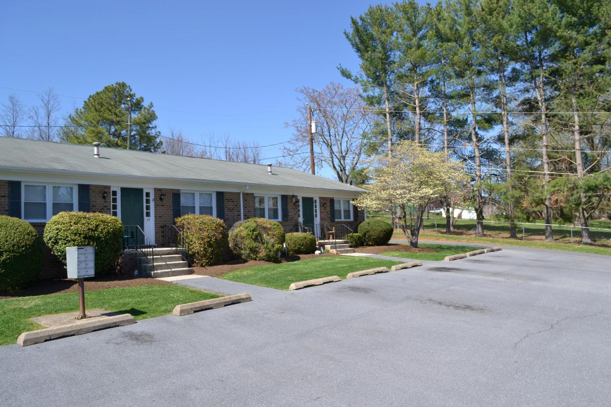 Arlington Village Apartments