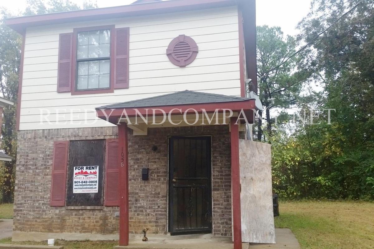 Pleasant 1056 Patton Street Memphis Tn 38106 2112 Hotpads Home Interior And Landscaping Palasignezvosmurscom