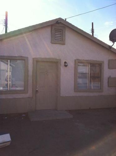 2633 W Polk Street #4 Photo 1
