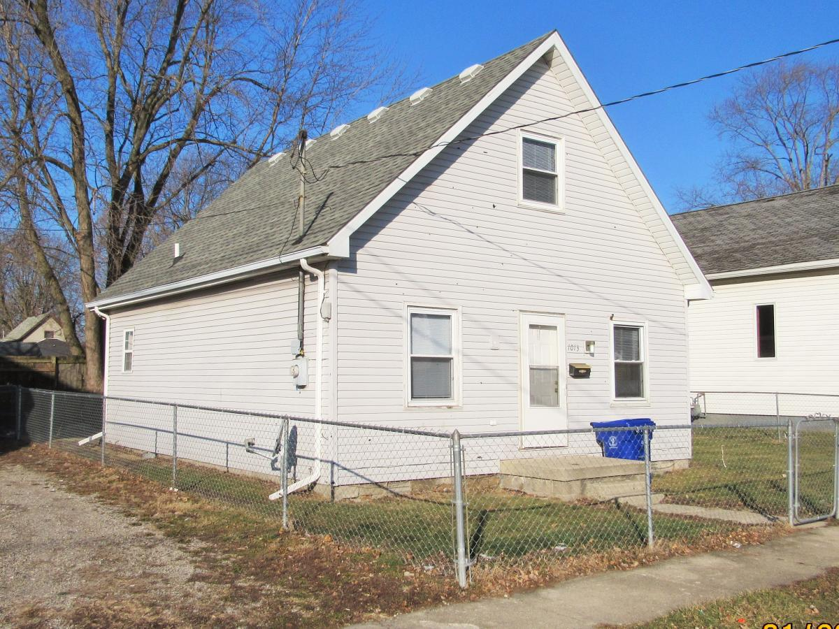 1013 N Armstrong Photo 1