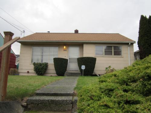 9207 12th Avenue SW Photo 1
