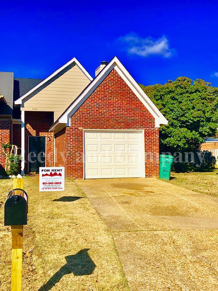 Groovy 5164 Walton Lake Drive Memphis Tn 38118 5534 Hotpads Home Interior And Landscaping Palasignezvosmurscom