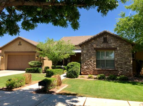 Houses for Rent in Arizona from $895 to $5 6K+ a month | HotPads