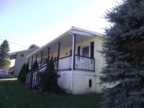 430 Marsh Hill Rd Photo 1