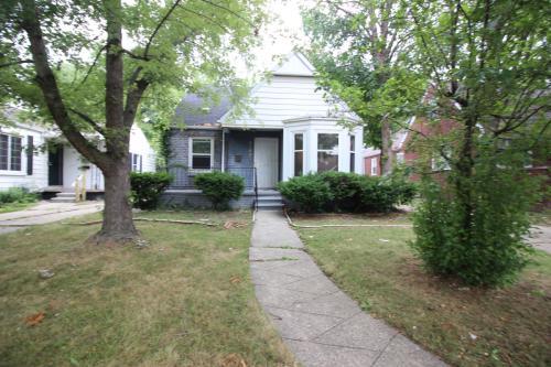 20689 Kingsville Street Photo 1