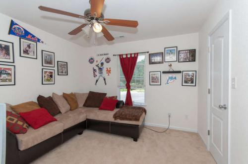 1029 Canal Drive Photo 1