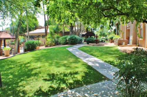 3825 E Camelback Road Photo 1