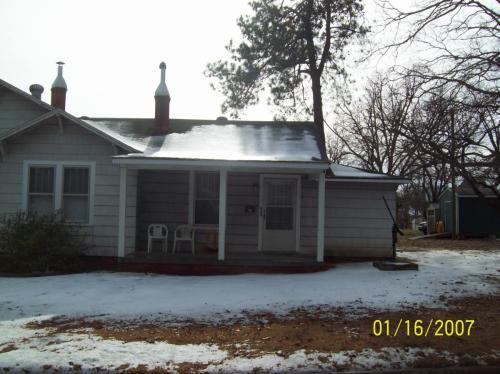 503 W 7th St Photo 1