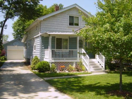 14675 Garland Ave Photo 1