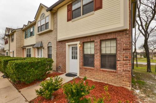 Georgetown Townhome Photo 1
