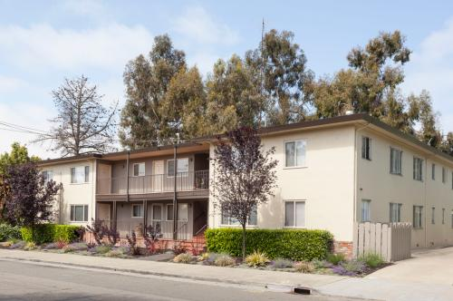 Dimond District Charmer. Nicely Updated Photo 1