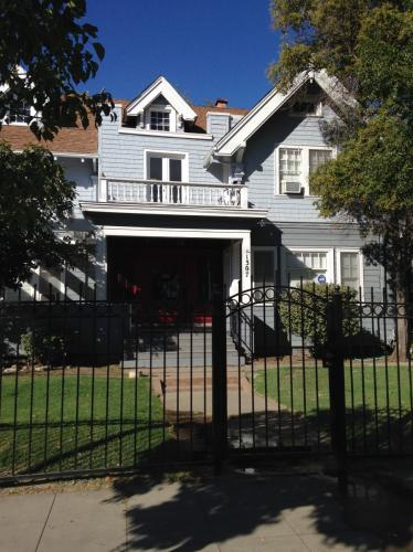 1307 N San Joaquin St 16 Photo 1