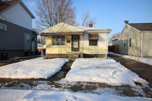 11287 Essex Avenue Photo 1