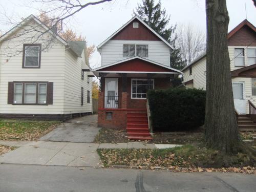 7912 Vineyard Avenue Photo 1
