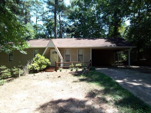 2905 Winchester Drive Photo 1