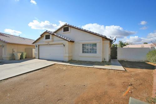 7816 W Rancho Drive Photo 1