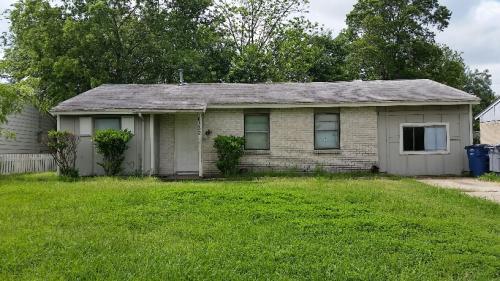 6352 Denham Drive Photo 1