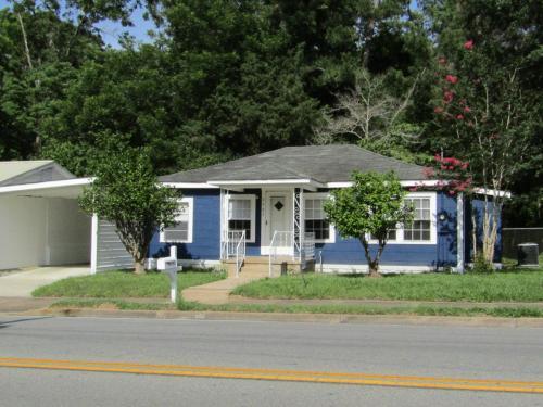 2982 Smith Street Photo 1