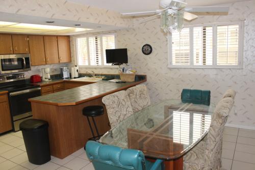 4205 S Atlantic Avenue Photo 1
