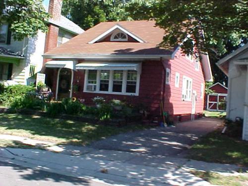 523 E Woodrow Avenue Photo 1