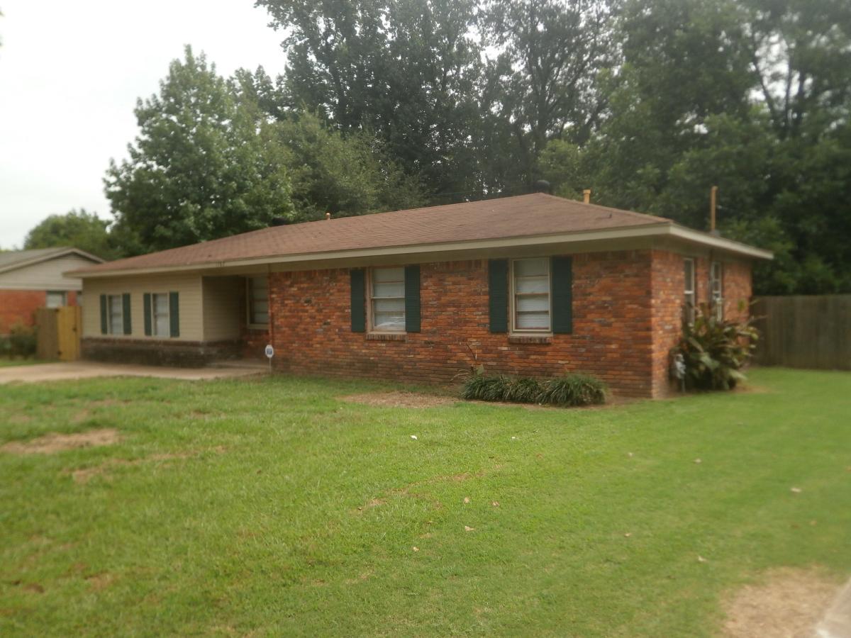 1767 Oakwood Memphis Tn 38116 Hotpads
