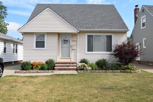 6210 Westlake Avenue Photo 1