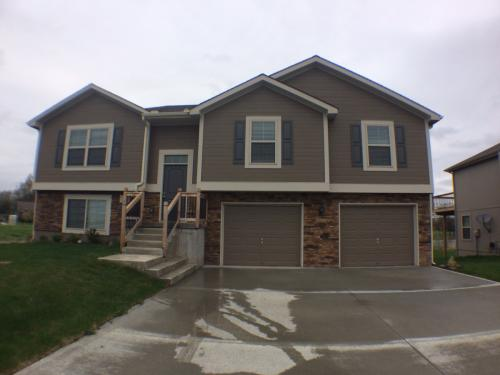 303 Golfview Dr Photo 1