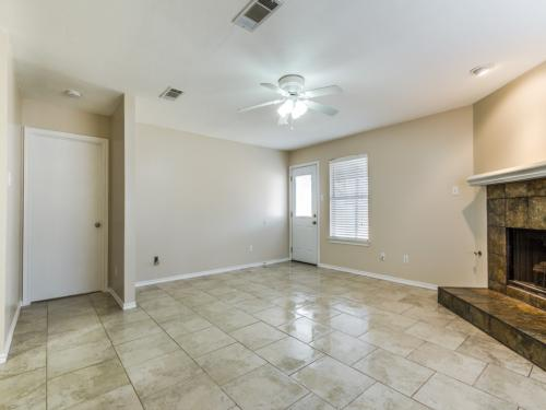 1009 Valley Drive Photo 1