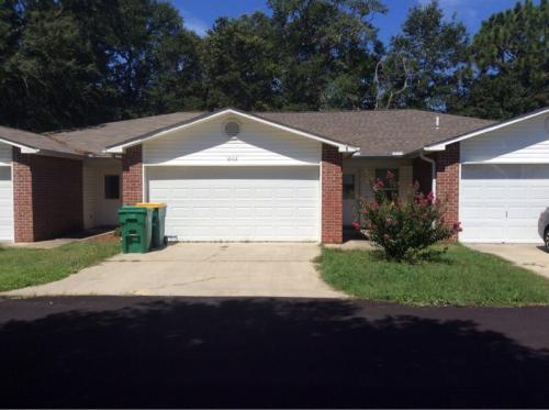 1002 Cotton Tree Court Photo 1