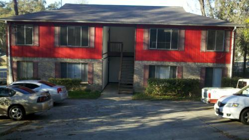 2188 Claremont Lane Photo 1