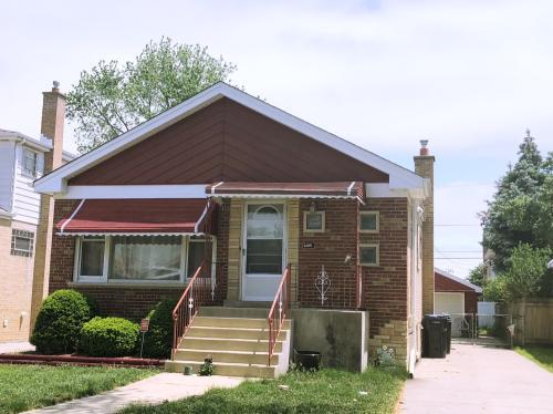 9109 S Hamlin Avenue Photo 1