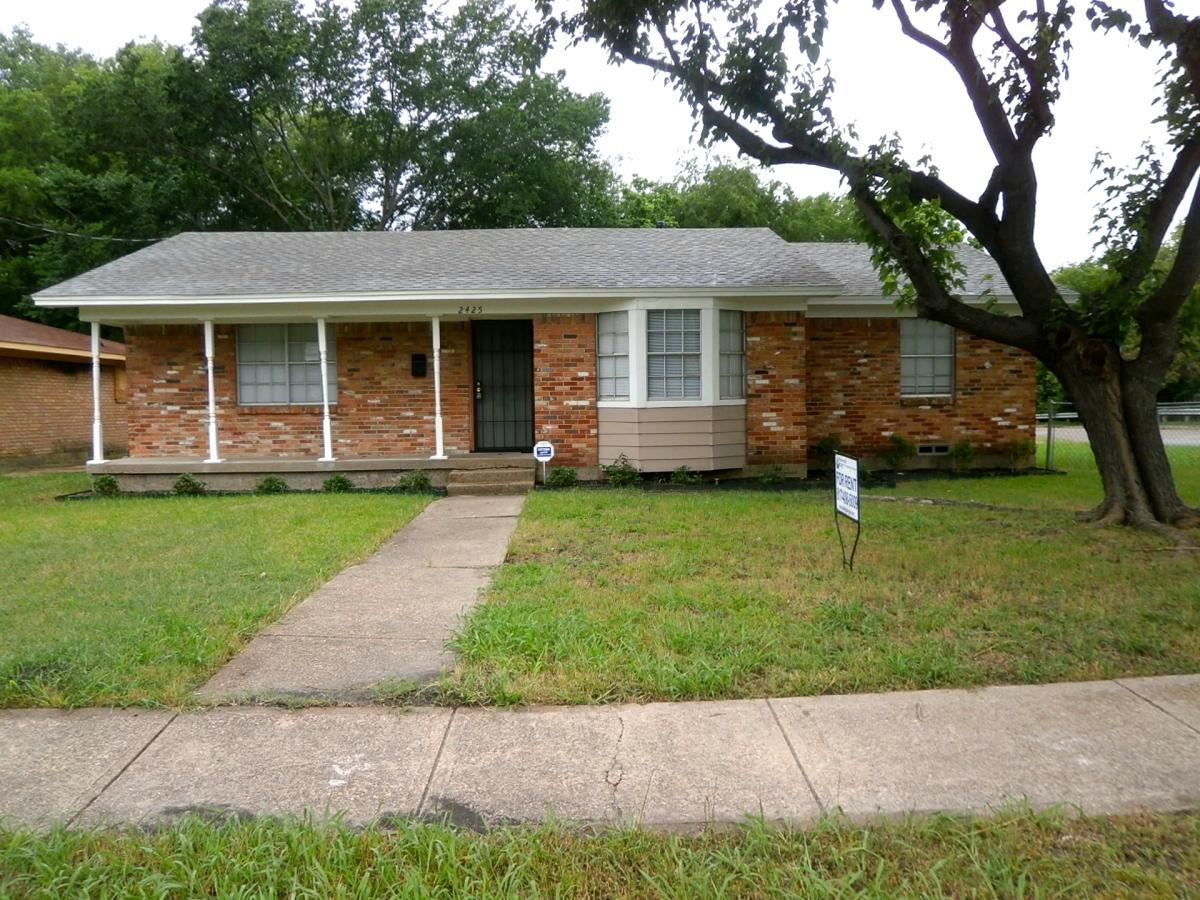 rent houses in dallas tx 75227 10324 woodleaf dr dallas tx 75227