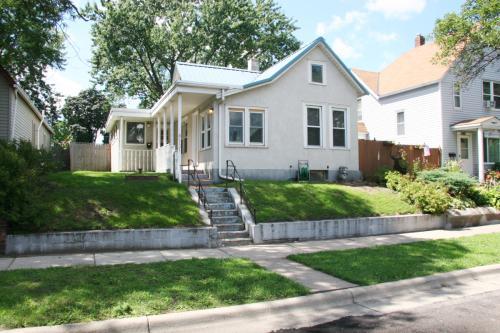 1131 Marion Street Photo 1
