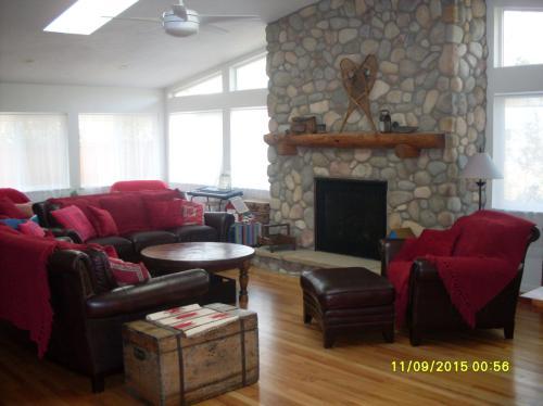 4375 Whitney Place Photo 1