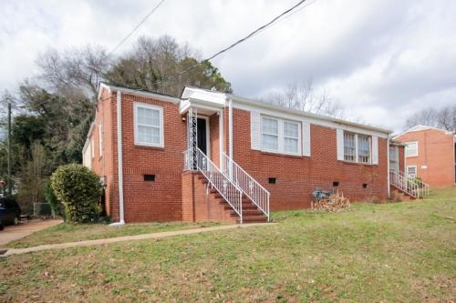 1751 Lisbon Dr Atlanta Fulton Ga 30310 Photo 1