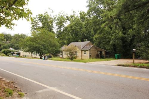 1352 Peachcrest Road Photo 1