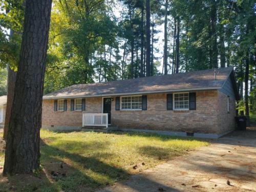 Property ID # 9892016329 - 4Bed/2Bath, Jonesbor... Photo 1